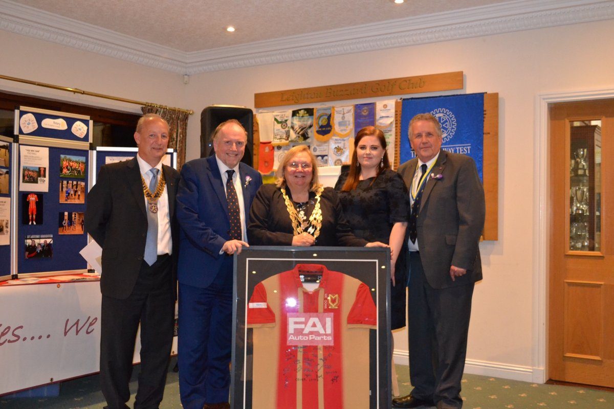 A Proud night as Rotary Club of Leighton Linslade receives National Community Cup